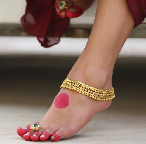 Gorgeous Gold #Payal #Anklet & #ToeRing With Green Stone.