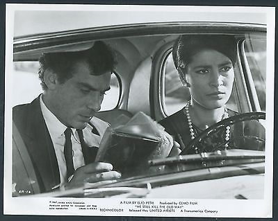 GIAN MARIA VOLONTE IRENE PAPAS in We Still Kill The Old Way ´67 CAR LOOK