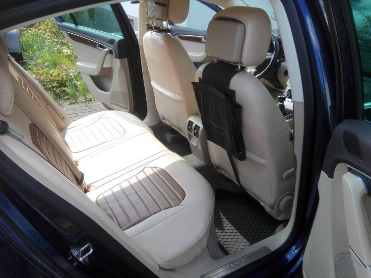 VW Passat B7 wurde mit individuellen Auto-Sitzbezuegen ausgestattet. Die Bezüge werden über den Originalbezug montiert. Eine individuelle Material-/ & Farbauswahl ist möglich. #tuning, #vw, #passat, #individuell, #fahrzeugtuning, #designbezuege, #fahrzeugaufbereitung