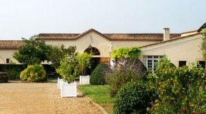 Venez découvrir le château Doisy Daëne de Denis Dubourdieu, il vous suffit pour cela de réservez simplement votre visite sur Wine Tour Booking