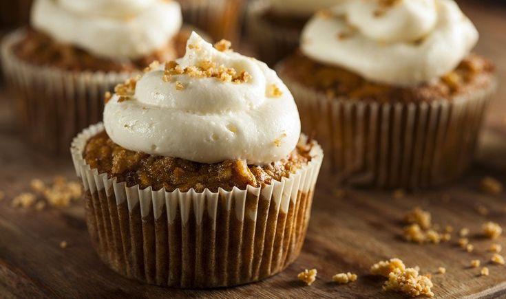 Cupcakes καρότου με επικάλυψη κρέμας τυριού