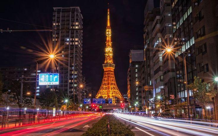 東京スカイツリーが完成してから 東京タワーを訪れる回数が減ってしまったのではないでしょうか しかし 上れば日中は東京の街を 夜は夜景を楽しむことができる人気のスポットなんです 上らなくても 見る 写真を撮影する場所によって異なった魅力を感じることが