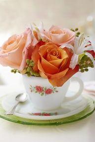 Ideas for Pretty Little Floral Arrangements