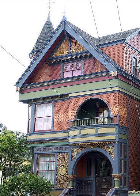 Painted Lady in Haight-Ashbury district, San Francisco - photo by Derick Carss