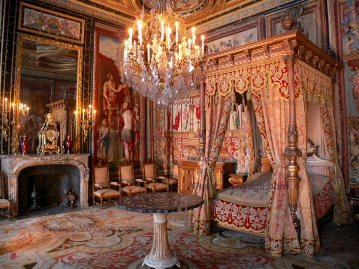 Buckingham palace queen bedroom and palaces on pinterest - Int 233 Rieur Du Palais De Fontainebleau Appartement Du Pape