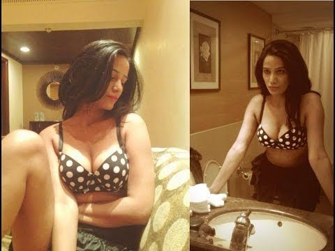 Poonam Pandey posts her NAUGHTY pictures on twitter.