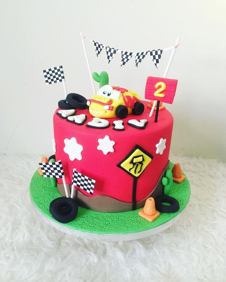 "19 Likes, 3 Comments - Sunshines_Sweettooth (@sunshines_sweettooth) on Instagram: ""A cake ordered by a loving aunt for her nephew... 😍 #bakermom #mybakingaddiction #cars"""
