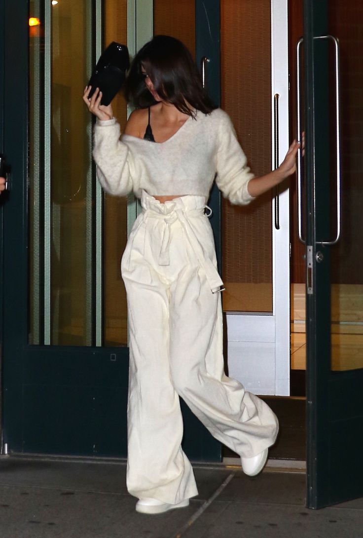 July 10, 2016 - Leaving Kanye's apartament in NYC. Kendall Nicole Jenner Fashion Style