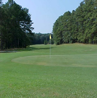 Moree's Cheraw Country Club - Cheraw, SC. Visit http://ezlinks.com/southcarolina for discount tee times in the Charlotte area and all across South Carolina.