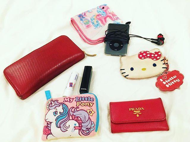 WEBSTA @ riechar - In my bag👜ウォレットバッグじゃない時は、これに 文庫本があるかないか。シンプル好きだけれど、やっぱり可愛いものを入れてしまう🙆🏻..SAINT LAURENTの財布、PASMO(kittyちゃん)、PRADAのキーケース、赤リップ、iPod..#inmybag #saintlaurent #wallet #red#prada #hellokitty#mylittlepony #サンローラン#プラダ#キティ#マイリトルポニー