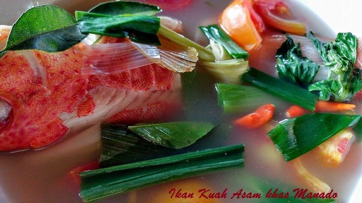 IKAN KUAH ASAM  Sejenis suo ikan dimasak bumbu Manado. Ini dia resepnya http://aneka-resep-masakan-online.blogspot.co.id/2014/03/resep-ikan-masak-kuah-asam-manado.html