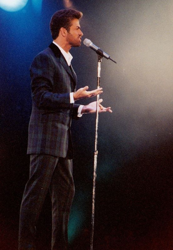 Especially hot on this night.....World Aids Day concert December 1993