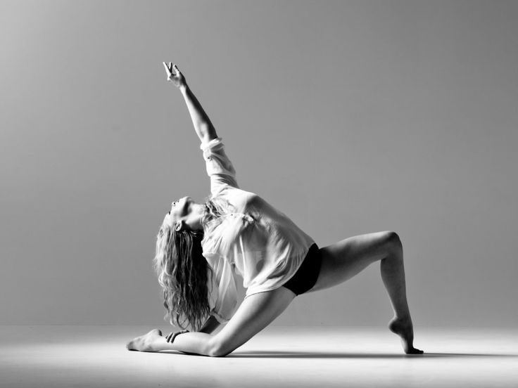 Znalezione obrazy dla zapytania contemporary dance pose