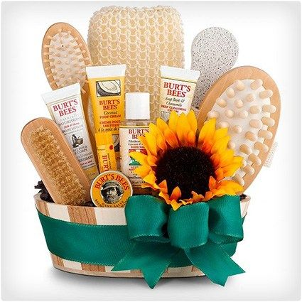diy gift basket ideas for women, men, christmas, teens, couples, friends, baby, mom, date night include cheap, dollar tree, teens, birthday etc
