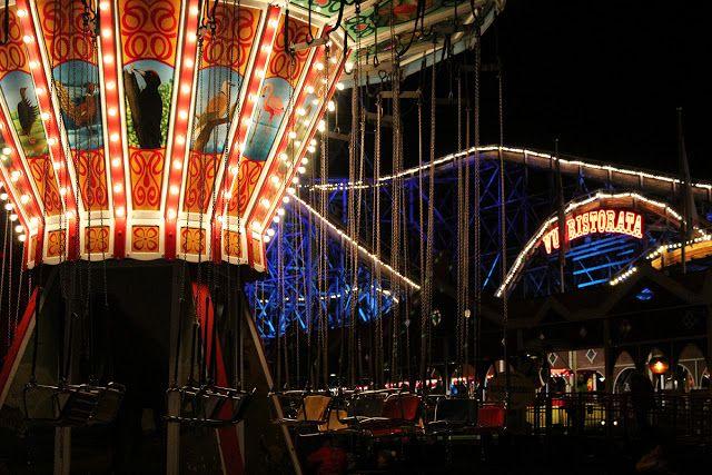 Linnanmäen Valokarnevaali päättää näyttävästi huvipuiston kesäkauden. #helsinki #finland