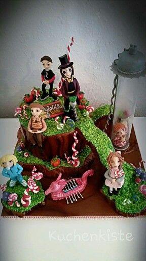 #willywonka #wonka #chocolate #chocolatefactory #cakedesign #madeforcontest #goldenticket #sugar #isomalt #chocolate #chocolatecake #figurine #violet #veruca #augusthus #mike #willy #charlie #charlieandthechocolatefactory #kuchenkiste #berlin #dortmund #moviecake