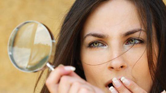 Mallo di noce per coprire i capelli bianchi - http://www.wdonna.it/mallo-di-noce-capelli-bianchi/64870?utm_source=PN&utm_medium=Gossip&utm_campaign=64870