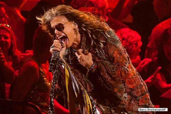 Cinco hits do festival Monsters of Rock: http://ow.ly/pXshf