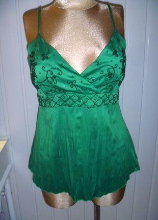 Kup mój przedmiot na #vintedpl http://www.vinted.pl/damska-odziez/koszulki-na-ramiaczkach-koszulki-bez-rekawow/9880833-bluzka-zywa-zielen-z-cekinami-na-regulowanych-ramiaczkach