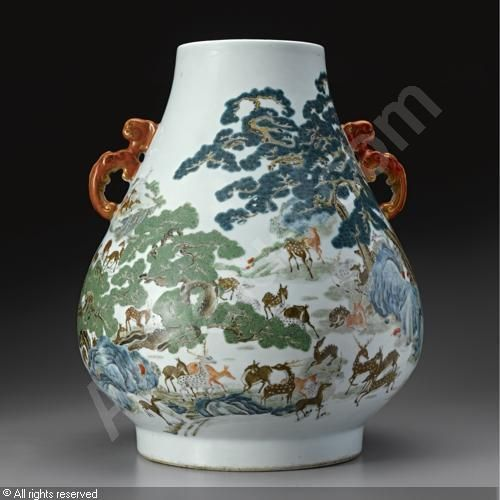QIANLONG Period - A LARGE 'HUNDRED DEER' VASE