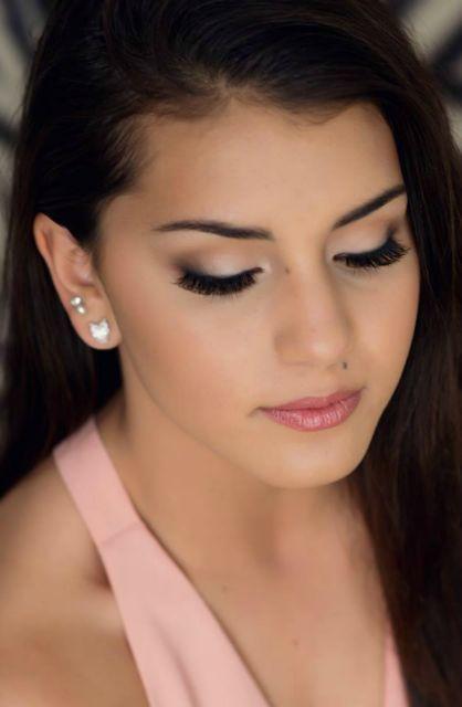 Photographic Makeup - Makeup Artistry by Lauren - Robyn Regan Photography