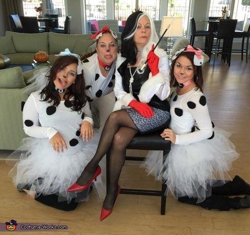 101 Dalmatians Group Halloween Costume Idea