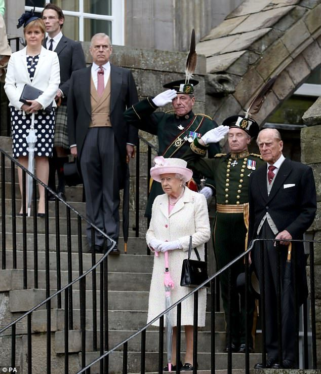 dailymail: Garden Party, Holyrood Palace, July 4, 2017-Queen Elizabeth, Duke of Edinburgh, and Duke of York with Scottish First Minster Nicola Sturgeon enter the garden party