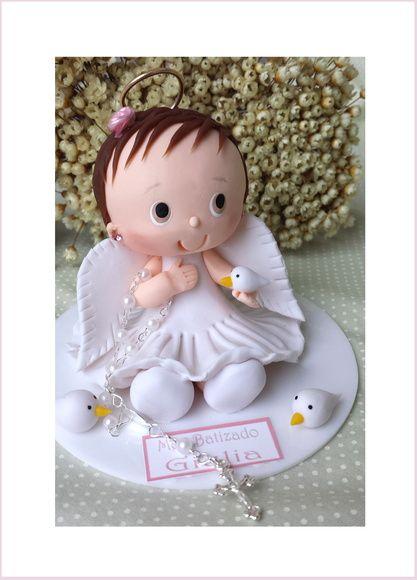 Topo de bolo batizado anjinha com vestido branco.