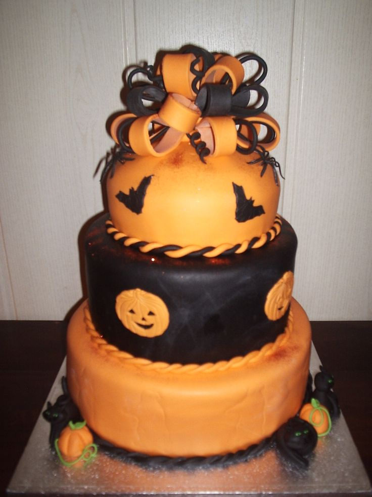 Disney Halloween Cakes | ... Taarten En Andere Enge Lekkere Snoepjes cake picture to pinterest