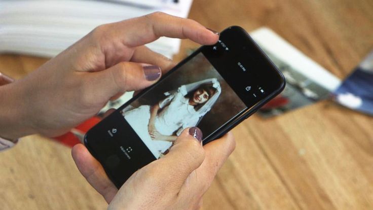 PHOTO: ABC News Paula Faris uses Google Photos to declutter and organize her family photographs.