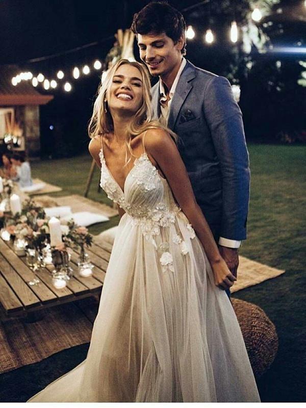 Spaghetti Strap V Neck Beach Wedding Dresses Backless Summer Bridal Dresses #wed…