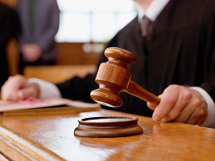 Geçtiğimiz günlerde  adliyeler fabrika gibi çalışıyor sözüyle dikkat çeken  Hakim Mehmet Gülçek Hakim, savcı, avukatların üyesi en eski ve  sivil bilg...