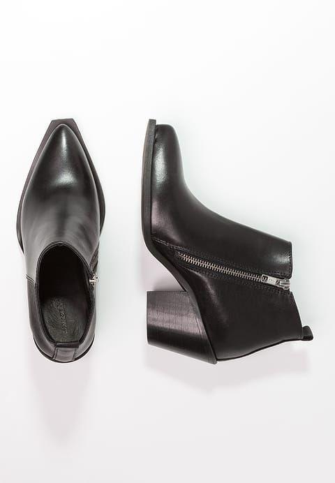 Schoenen Samsøe & Samsøe MALIN - Korte laarzen - black Zwart: € 179,95 Bij Zalando (op 2-3-17). Gratis bezorging & retournering, snelle levering en veilig betalen!