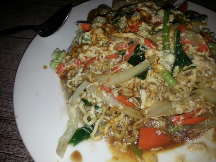 Solaria back of discovery mall kuta best crispy noodles ever just add plenty sweet soy