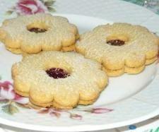Recept Linecké cukroví od lussy - Recept z kategorie Dezerty a sladkosti