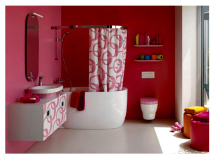 LAUFEN MIMO Lavabo à poser, blanc et rose. Meuble sous-lavabo avec découpe droite,blanc avec motif chaîne rose. Mitigeur de lavabo avec cartouche joystick. Cuvette suspendue,siège abattant à ralentisseur traité antibactérien.     42551 Miroir avec éclairage 45x100cm. Prix 825.24€ TTC 22556 baignoire acryl. angle gauche avec habillage. Existe avec systême balnéo. Prix1396.93€ TTC 58551 Barre de rideau de douche pour angle à gauche 140x80cm. Prix 593.22€ TTC 59550 Rideau de douche. Prix172.22€…