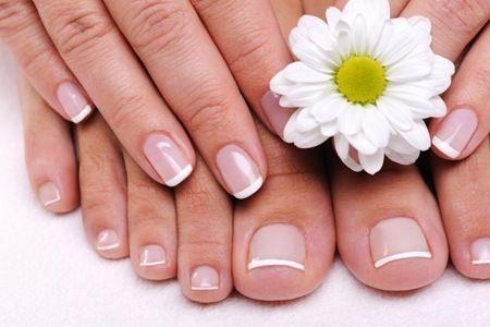 Shellac of acryl op uw teennagels laten zetten door Unique nails & beauty in Hengelo
