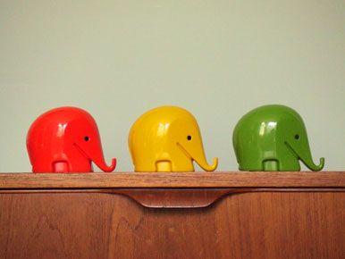1970s elephant money boxes : Elephants Money, Offices Design, Design Photo, Style Elephants, 70S Style, Colors Elephants, Delta Elephants, Elephants Banks, Cute Elephants