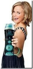 Make your house smell AMAZING! Make your own air freshener with Downy UNStoppables...