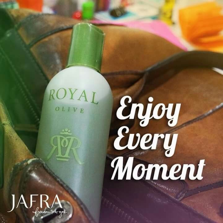 Ekstrak zaitun murni dari Royal Olive Body Oil memberikan perasaan nyaman dan mempertahankan kelembapan kulit.