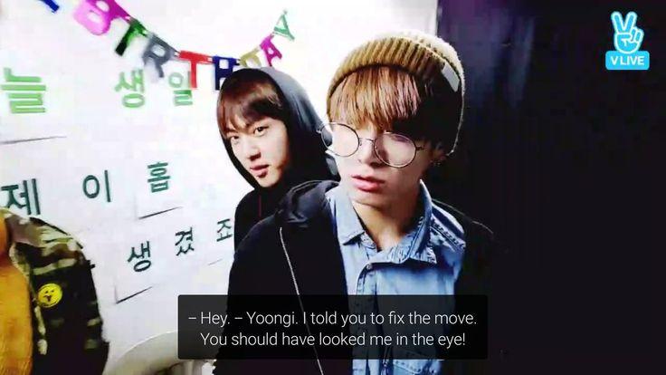 TRADUÇAO=Ei. Yoongi. Eu lhe disse para consertar o movimento. Você deveria ter me olhado nos olhos!  V Live em comemoração ao aniversario de J-Hope 18/02/2017(lá na coreia,aqui era 17/02 Sabado)