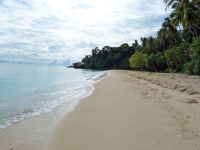 Sumur Tiga Beach, which has white sand stretching along three kilometers - making it the longest white sandy beach on the island. Photo by Sita Dewi.