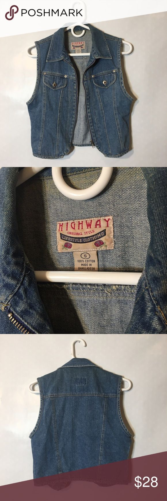 90s vtg grunge denim zip crop vest S Rad 90s vintage grunge retro style denim zip up crop vest by Highway, marked a Small, true to size. Perfect condition. Vintage Tops Crop Tops