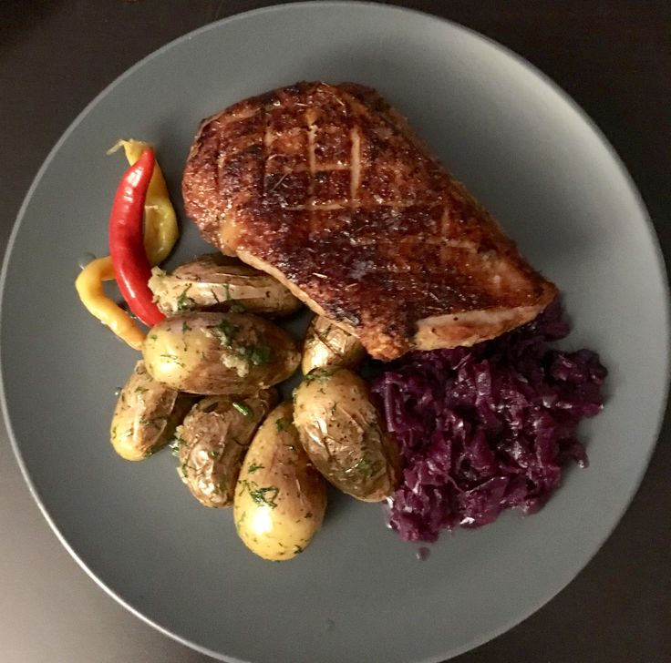 Crunchy duck breast with Almond potatoes and red cabbage