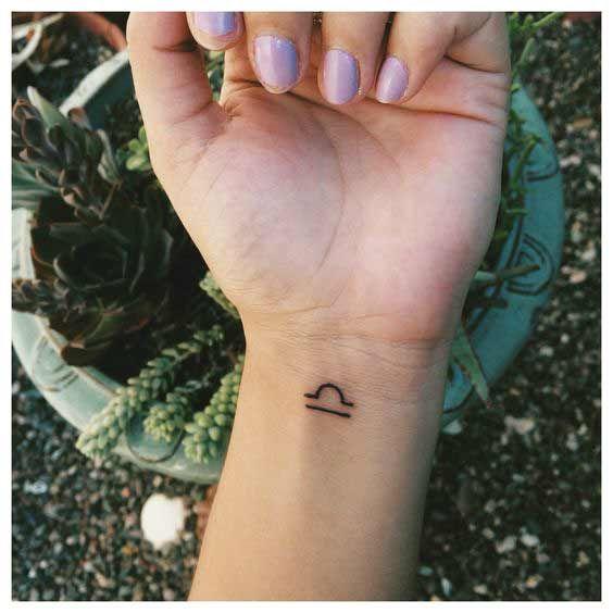 50 Amazing Libra Tattoos Designs und Ideen für Männer und Frauen #amazing #designs #frauen #ideen #libra