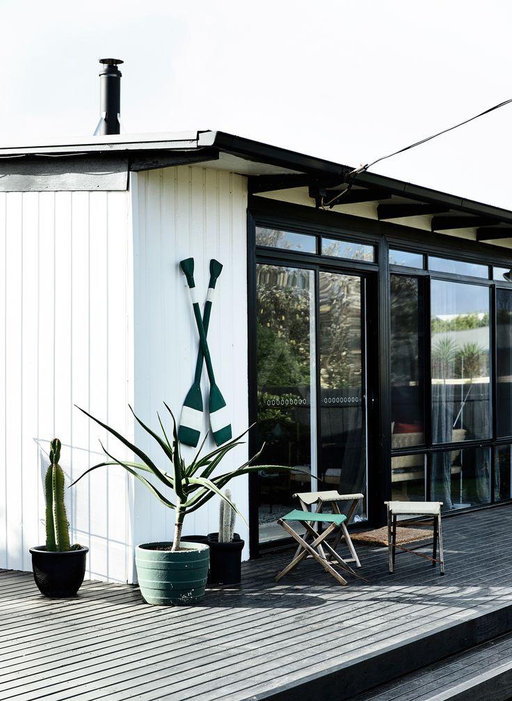 Beach shack makeover by stylist Simone Haag. Story: Derek Swalwell   Styling: Simone Haag   Story: real living