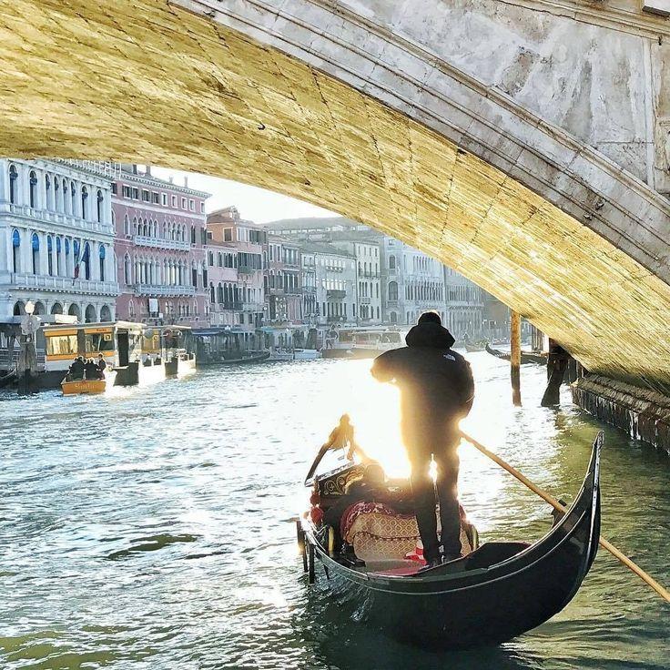 Il Canal Grande sotto Ponte di Rialto, Venezia