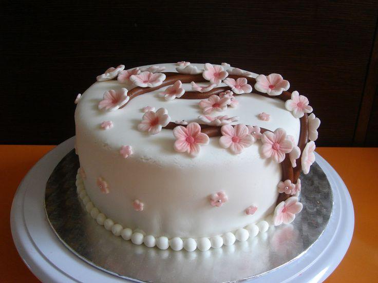 una chispa de dulzura: Tarta con flores de cerezo