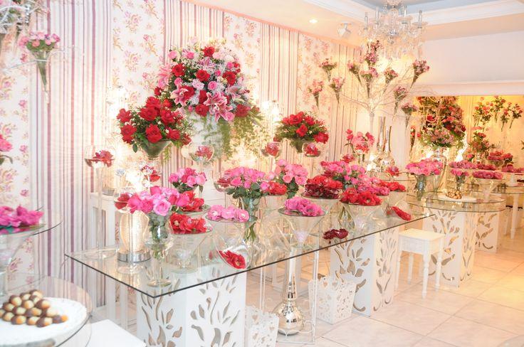 Decoração rosa com vermelho Pink and red wedding decoration