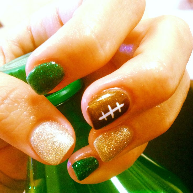 My nails are ready for the Green Bay Packers game this weekend!! Can't wait!!! #gopackgo #bestbdaygift